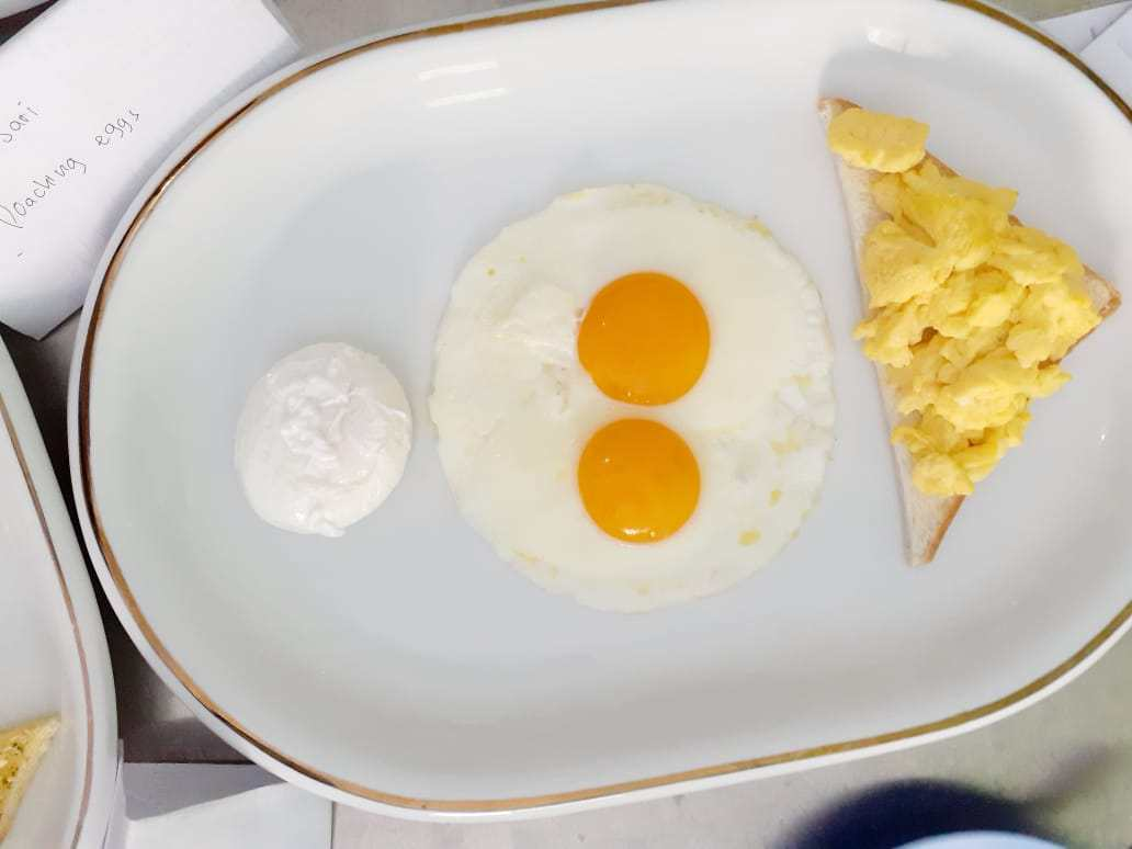 scramble-egg-sunny-side-up-and-pouch-egg